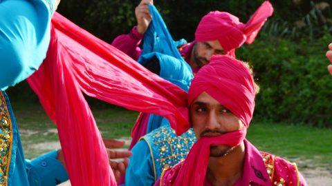 Image for: Bhangra Brothers: la danza indiana dei braccianti di Latina